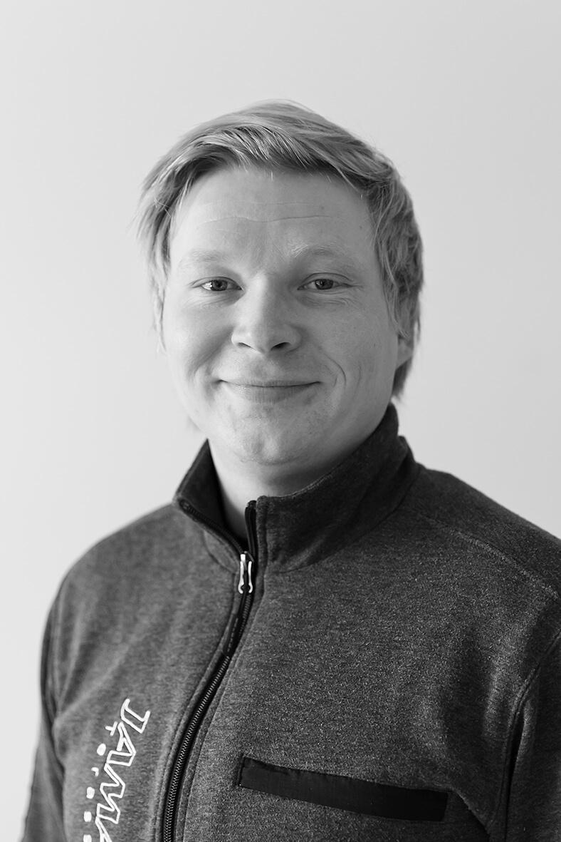 Jussi Koponen : Asentaja